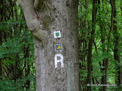 Kennzeichnung des Rennsteiges und den ökumenischen Pilgerweges