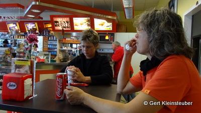 Mittag in der Tankstelle