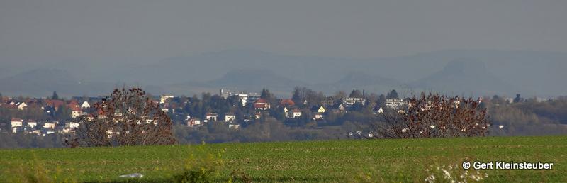 Blick zum Elbsandsteingebirge
