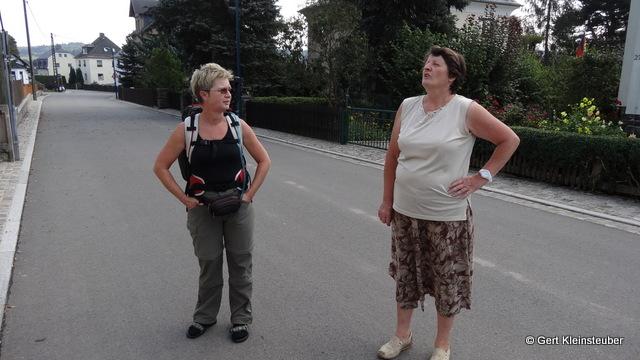 Andrea im Gespräch mit der Ortschronistin von Neuwürschnitz