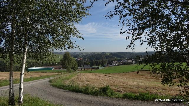 Blick über Lengenfeld auf den heute bisher zurückgelegten Weg