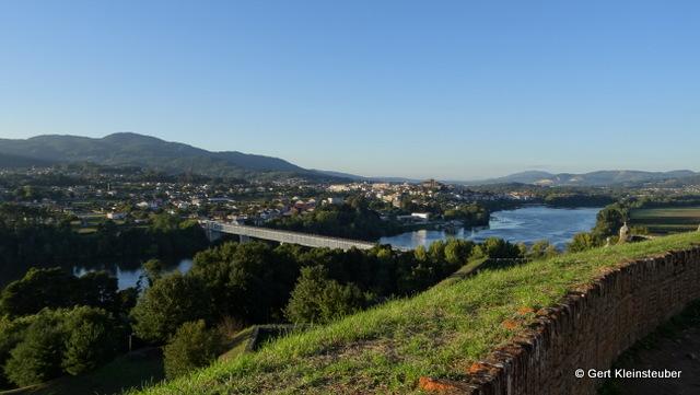 Blick auf Tui und den Rio Minho