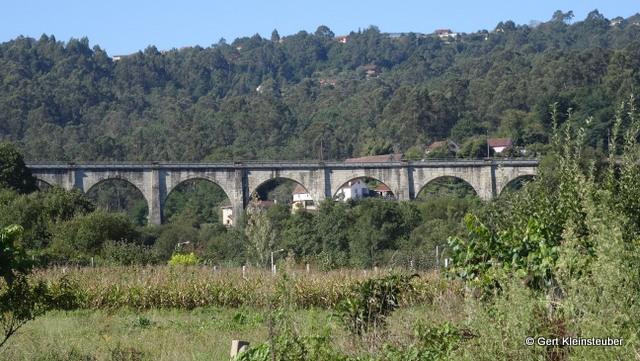 Eisenbahnviadukt bei Padron